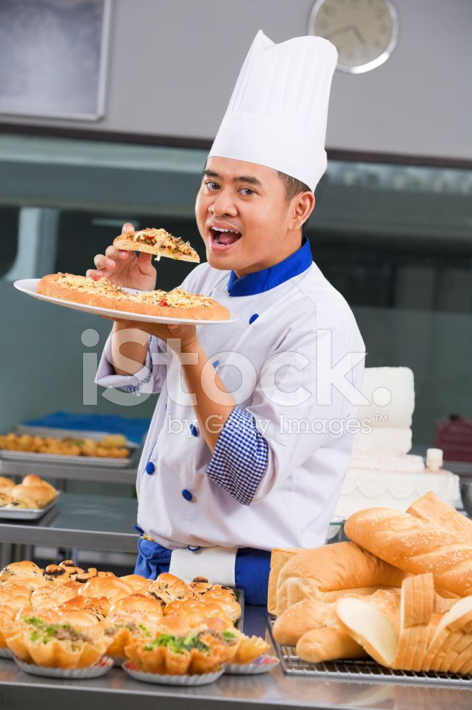 12463218-chef-eating-the-pizza.jpg