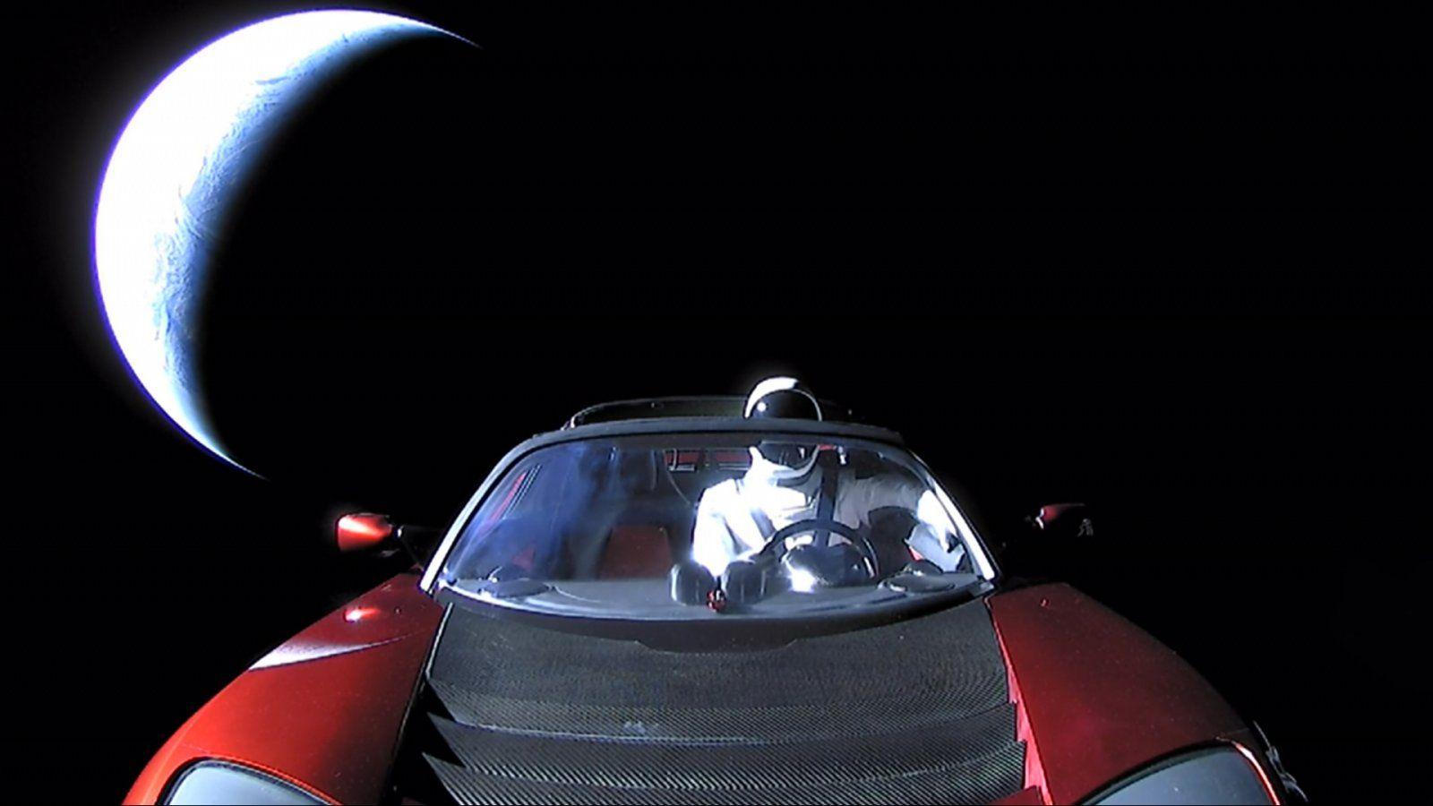 180208-tesla-spacex-earth-se-413p_8dc09d749a030e0af136369eaa9748ae.jpg