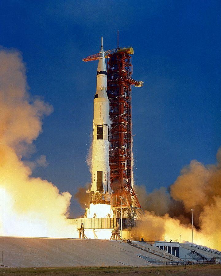 Apollo_11_Launch_-_GPN-2000-000630.jpg