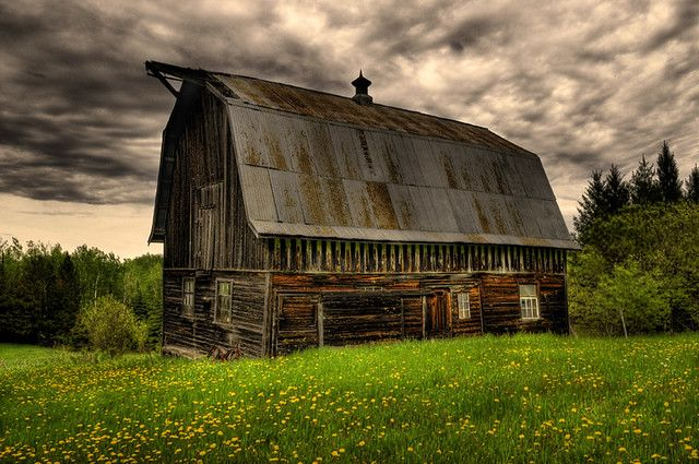 Beautiful Old Barn  jeanniepaul  Flickr.jpg