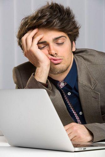 Bored-guy-on-computer.jpg