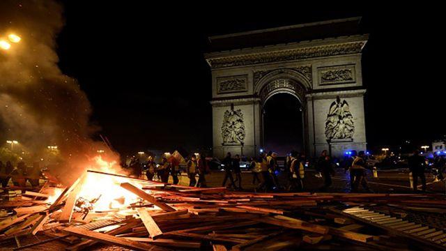 GlobalWarmingBS-France-gas-protest.jpg