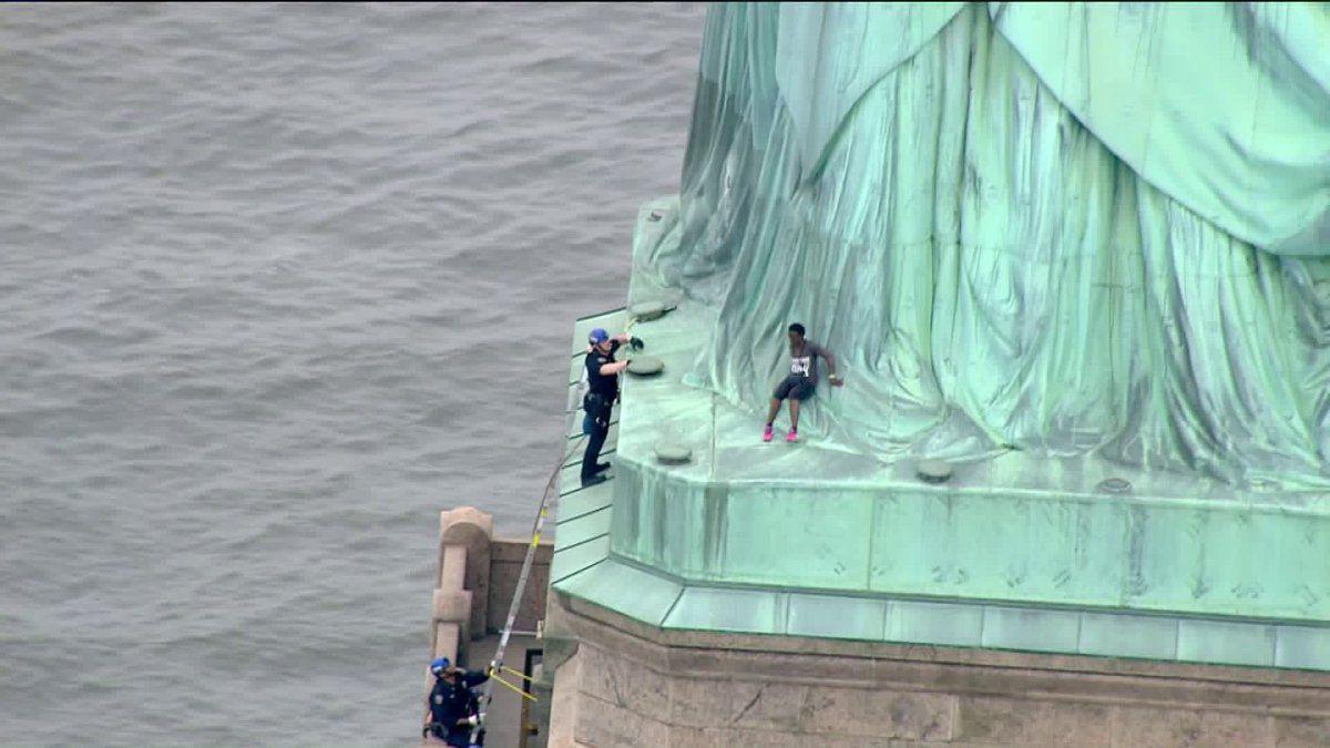 immigrationracist statueofliberty.jpg