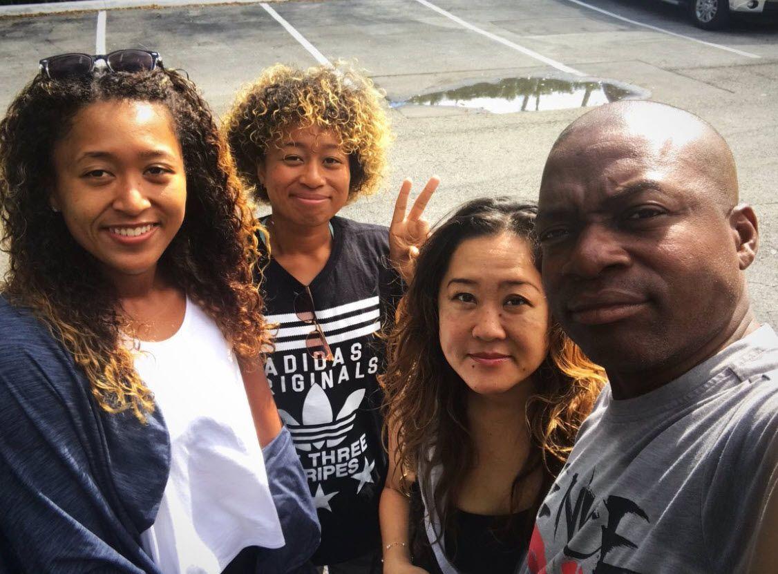 Naomi-Osaka-with-sister-mother-and-father.jpg