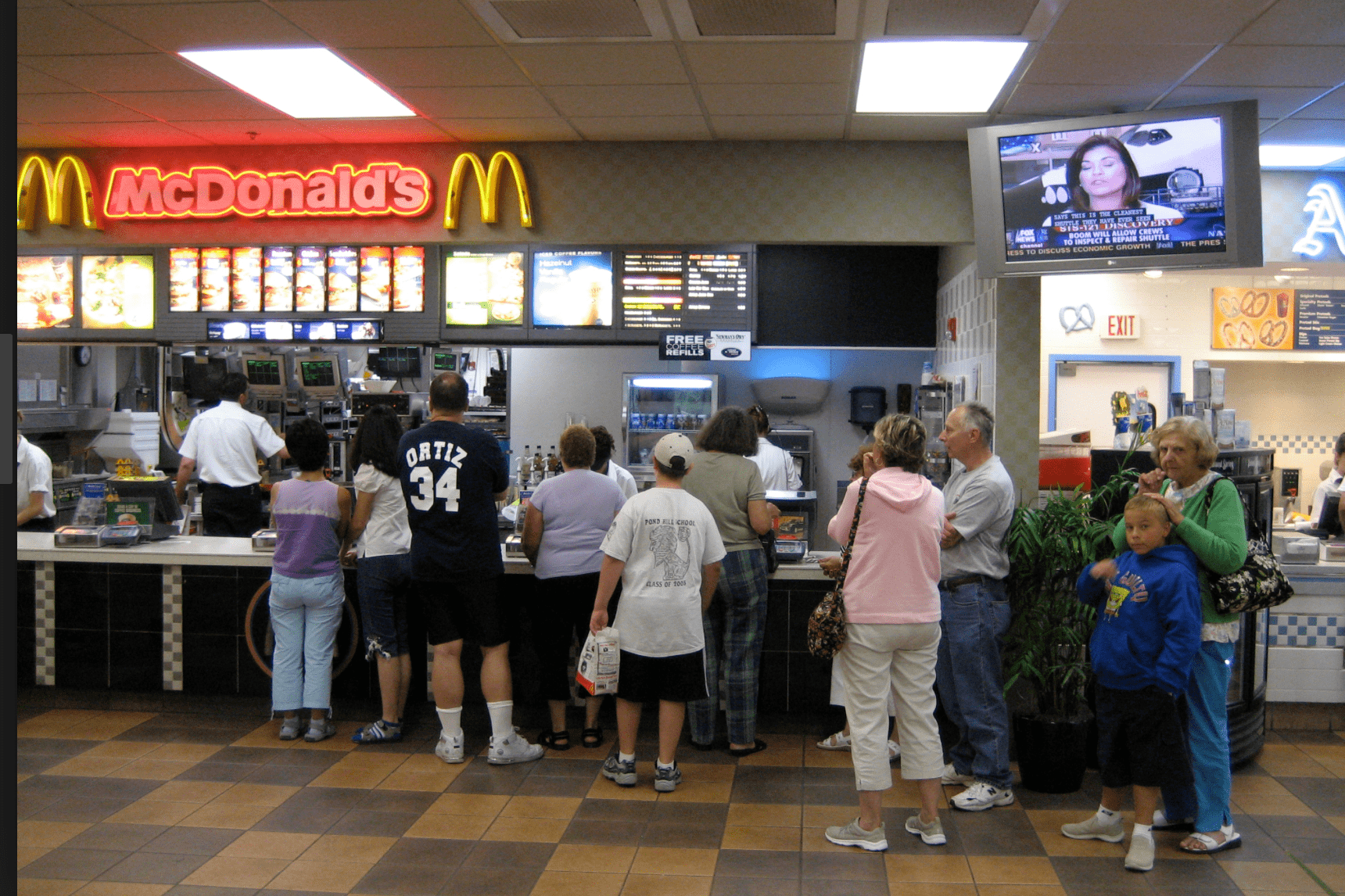 barriers to mcdonalds growth Mcdonald's is ranked at the top of the fast food industries with over 33,000 outlets, whereas kfc only has 11,000 outlets in 80 countries, ranking at 7 th in the world the.