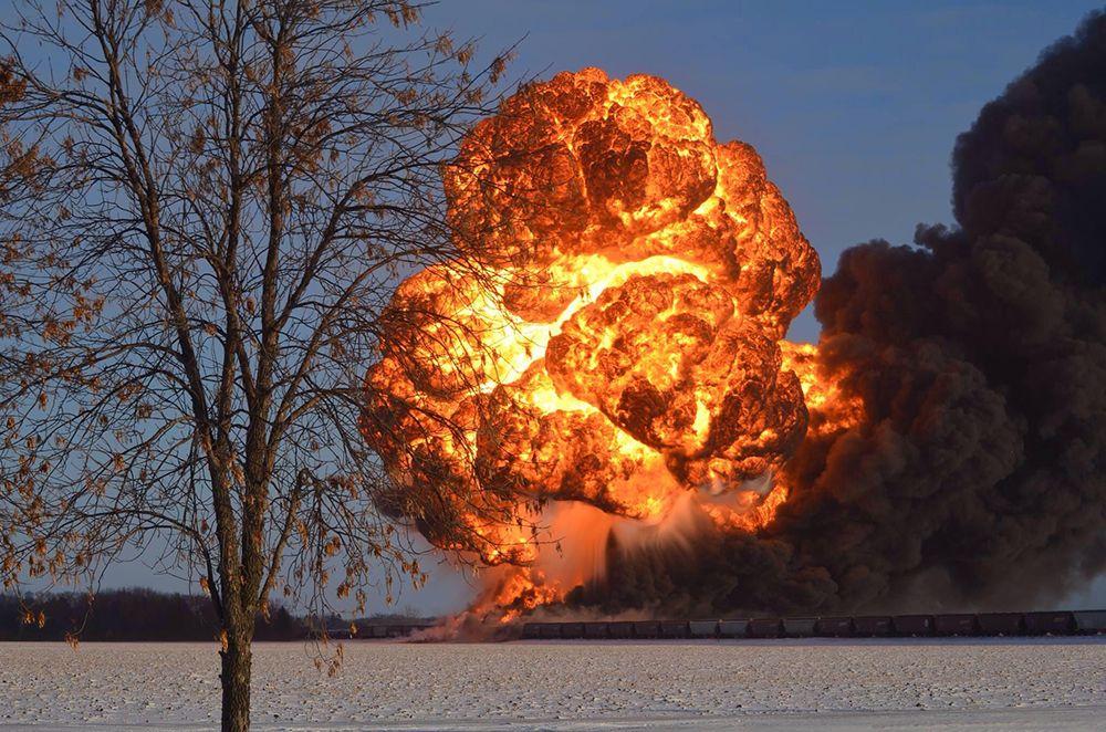 train-oil-fireball-explosion-casselton-north-dakota-dec2013_phmsa_1000.jpg