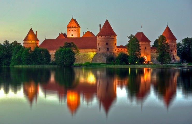 Trakai-Island-Castle-2-740x478.jpg