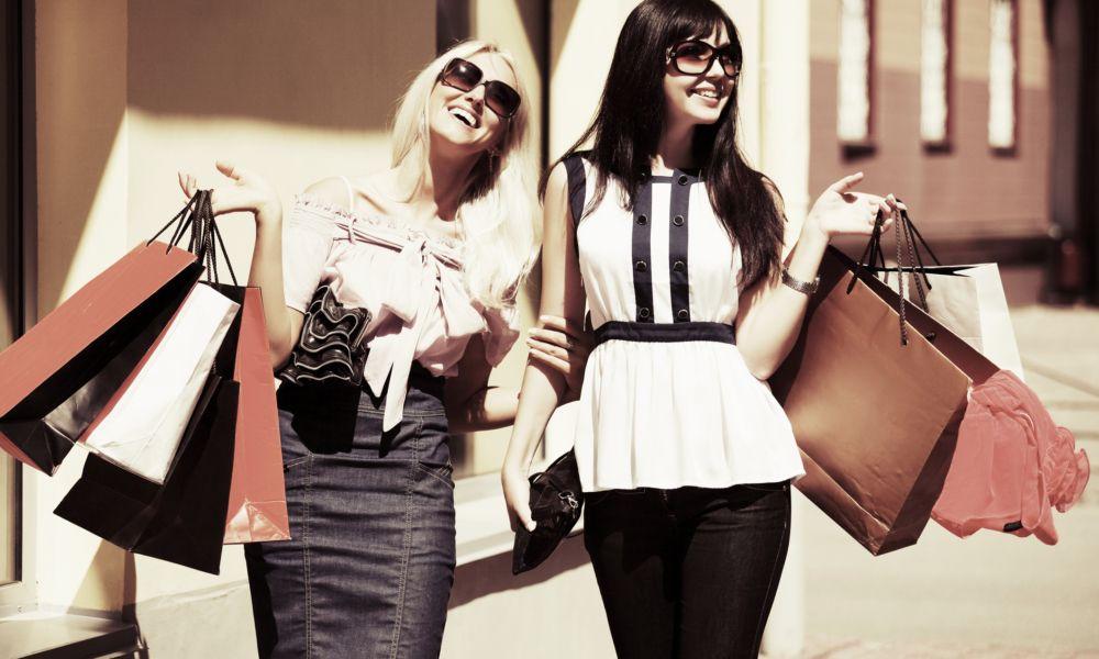 Urban-Luxury-Rentals-Urban-Shopping-Villa-Traveler-1000x600.jpg